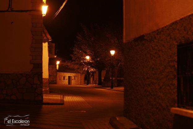 Uña por la noche