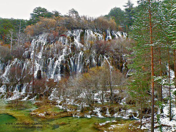 Más arriba de la cascada, se encuentra el nacimiento del rio cuervo