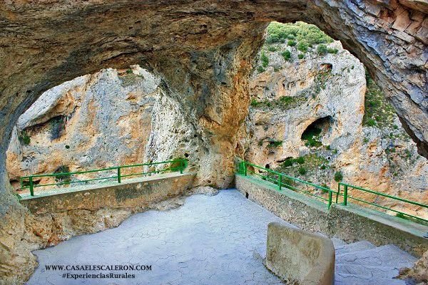 Ofrece unas bellas vistas al cañón del rio jucar