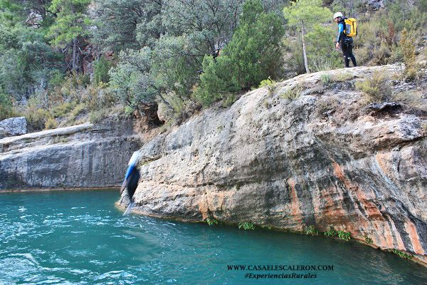 saltos de diversas alturas a las pozas de villalba