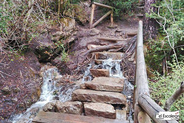 escaleras inundadas