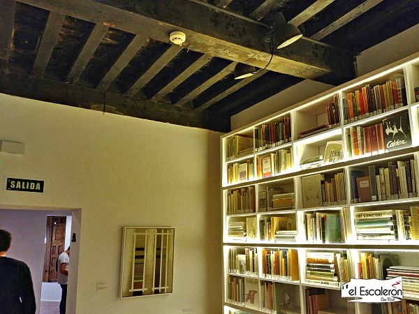 Libreria del Museo de Arte Abstracto Español